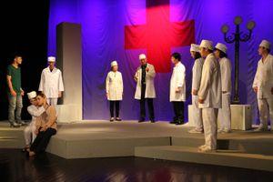 'Ông trùm' Hoàng Dũng dựng 'Nguồn sáng trong đời' của Lưu Quang Vũ