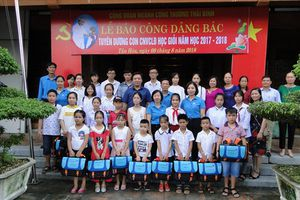Công đoàn Công Thương Thái Bình tuyên dương học sinh giỏi vượt khó là con của CNVCLĐ