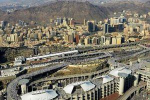 Ả Rập Saudi chặt đầu, đóng đinh tử tù trên thánh giá trước công chúng