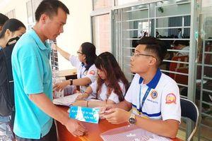 Tân sinh viên Phân hiệu Trường ĐH GTVT tại TPHCM nhận nhiều hỗ trợ khi nhập học
