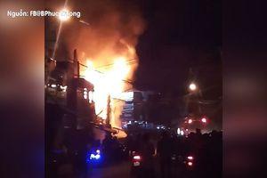 Đà Lạt: Cháy 3 căn nhà gỗ, một người bị thương