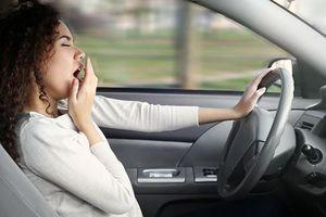 Làm sao để chống ngủ gật khi lái xe?