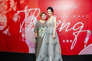 NSND Thanh Hoa mừng Đinh Hiền Anh ra mắt dự án âm nhạc mới