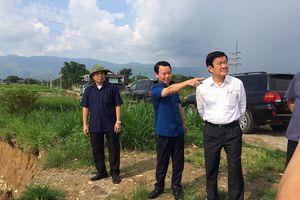 Nguyên Chủ tịch nước Trương Tấn Sang thị sát tình hình khắc phục hậu quả bão lũ tại huyện Văn Chấn, Yên Bái