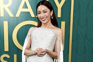 Ngô Điềm Mẫn ấn tượng với mẫu váy đính kết 200 nghìn viên pha lê