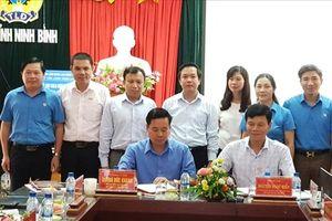 Báo Lao Động và LĐLĐ tỉnh Ninh Bình kí kết chương trình phối hợp giai đoạn 2018 - 2023