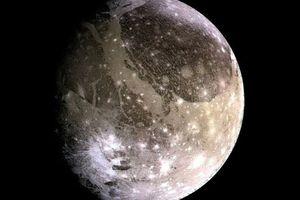 Sóng điện từ mặt trăng Sao Mộc đe dọa tàu vũ trụ
