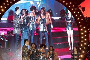10.000 khán giả 'cháy' hết mình khi Boney M biểu diễn tại Việt Nam