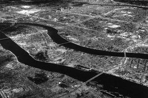 Kinh hoàng quả bom nguyên tử 'xóa sổ' thành phố Hiroshima