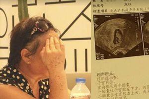 Cụ bà quyết tâm giữ thai đôi bất chấp nguy hiểm ở tuổi 67