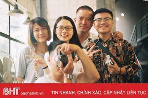Giới trẻ Hà Tĩnh 'hoài cổ' với thú chơi máy ảnh film