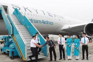 Thứ trưởng Lê Đình Thọ: Việc tuyển chọn phi công theo một quy trình chặt chẽ