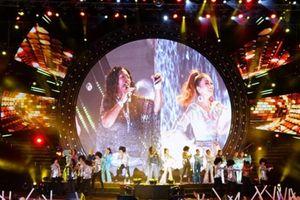 Những hình ảnh ấn tượng trong đêm diễn của ban nhạc Boney M ở Việt nam