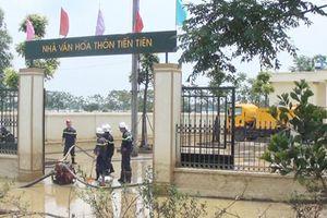Bảo đảm sử dụng điện an toàn cho người dân vùng lũ