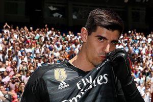 Courtois xin lỗi CĐV vì từng xúc phạm Real Madrid