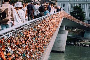 Đi Salzburg để biết Áo không chỉ có Vienna và ngôi làng cổ tích Hallstatt