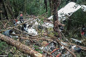 Rơi máy bay ở Indonesia, duy nhất bé trai 12 tuổi sống sót