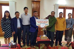 Đắk Lắk hỗ trợ 300 triệu đồng cho nhân dân Lào