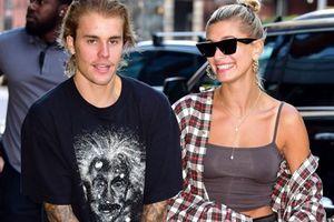 Áo 'như đàn ông' của bạn gái Justin Bieber có giá tận 30 triệu!