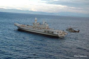 Ngạc nhiên Tàu sân bay Cavour 'nhỏ nhưng có võ' của Italy