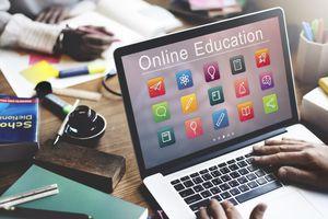 Học online kết hợp lên lớp: Lợi ích song hành