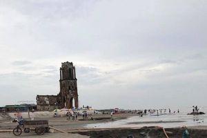 Nam Định: Xôn xao việc bơm hút cát tại bãi biển gần nhà thờ đổ