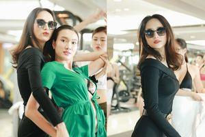 Siêu Mẫu Việt Nam: Hương Giang mặc quần ống loe thần sầu, tận tay chỉ dạy dàn chân dài