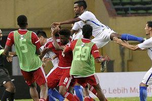 Cận cảnh màn ẩu đả kinh hoàng giữa U23 Malaysia và UAE