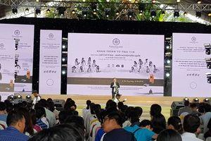 Tặng 5.000 cuốn sách khởi nghiệp cho thanh niên tại TP. Hồ Chí Minh