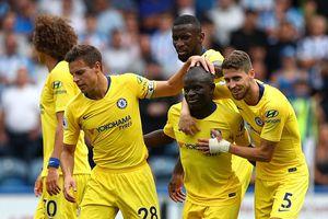 Chelsea hạ Huddersfield, 3 điểm đầu tiên cho Sarri
