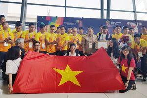 Trực tiếp ASIAD ngày 12/8: BTC làm khó, Olympic Việt Nam tập sân bê tông