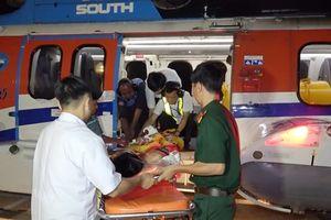 Trực thăng đưa ngư dân bị đột quỵ não về đất liền cấp cứu