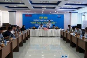 'Quỹ Hạt giống Việt' trao 1.300 suất học bổng tặng học sinh ĐBSCL