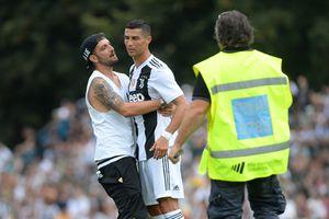 Khán giả quậy tưng trong ngày Cristiano Ronaldo ra mắt ở Juventus