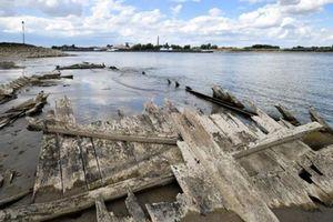 Đức: Con tàu bị chìm hơn 100 năm bất ngờ trồi lên mặt nước