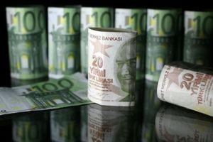 Lo tình hình Thổ Nhĩ Kỳ, giới đầu tư đổ xô mua USD, Franc Thụy Sỹ, Yên Nhật