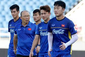 'BTC ASIAD nhận lỗi vì U23 Việt Nam tập sân xi măng, hứa từ mai tốt hơn'