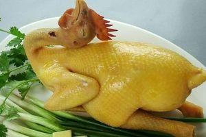 Tối nay ăn gì: Bí quyết luộc gà cúng không bị nứt, da vàng óng