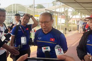 HLV Park Hang Seo tiết lộ sơ đồ đấu Pakistan ngay trên sân tập