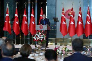 Khủng hoảng lira: Thổ Nhĩ Kỳ mạnh tay nhắm vào 'khủng bố kinh tế'