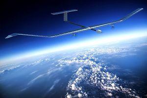 Máy bay chạy bằng năng lượng mặt trời đạt kỷ lục bay 25 ngày không tiếp nhiên liệu