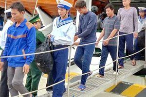 6 ngư dân Khánh Hòa gặp nạn đã về đất liền an toàn