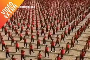 Màn biểu diễn võ thuật đều tăm tăm đẹp mắt của võ sinh Trung Quốc