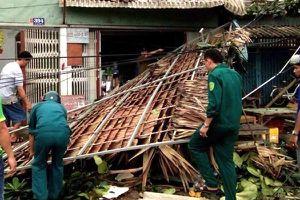 Lốc xoáy kinh hoàng gây thiệt hại hơn 500 triệu đồng