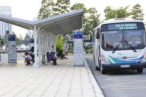 Bình Dương: Xe buýt có làn đường riêng, tài xế tươi cười đón khách