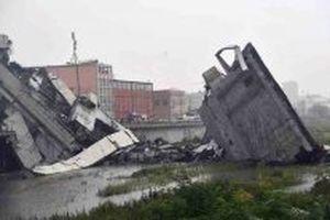 Sập cầu cạn tại Italy, ít nhất 10 người thiệt mạng