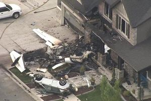 Phi công Mỹ lái máy bay lao thẳng vào nhà riêng sau khi cãi nhau với vợ