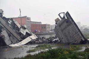 Rùng mình hiện trường thảm họa sập cầu đoạt mạng 22 người ở Ý