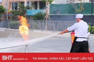 Trang bị kỹ năng phòng cháy chữa cháy cho 120 CBNV Vinpearl Hà Tĩnh