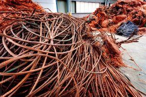 Doanh nghiệp tái chế kim loại Trung Quốc gấp rút xử lý phế liệu mua từ Mỹ